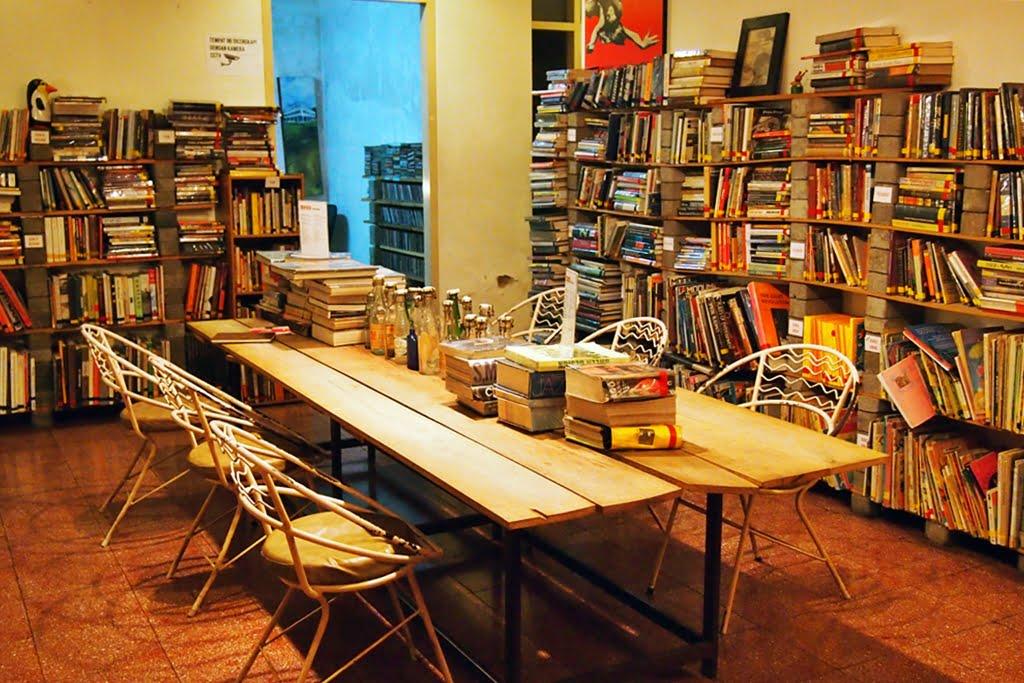 5 Destinasi Wajib bagi Kamu yang Suka Baca Buku