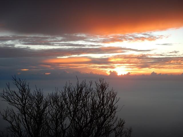 Menjelang tiba di Puncak Gunung Ciremai