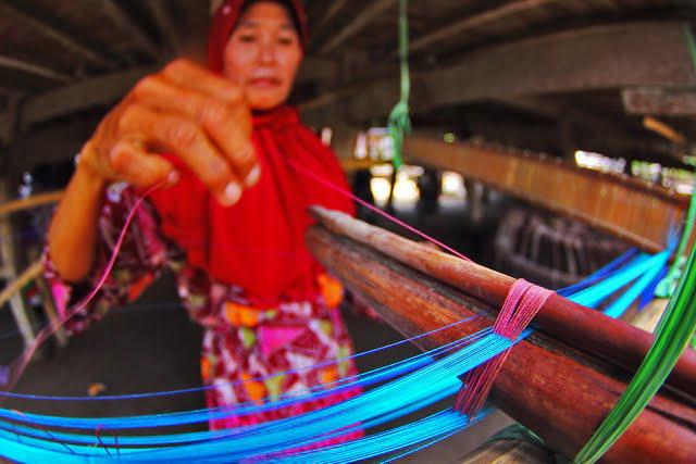 Tenun Nusantara dalam Selembar Kain Bernama Indonesia