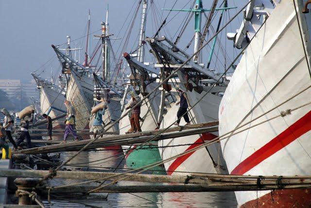 pelabuhan bersejarah di indonesia