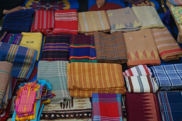 Menenun, Warisan Budaya dari Pringgasela Selatan