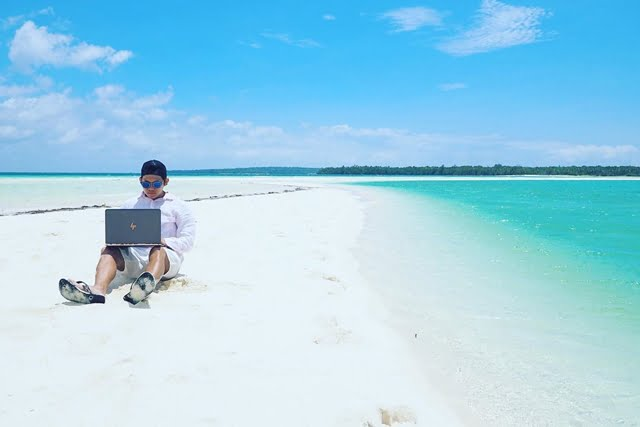Menurut @aMrazing, Ini 5 Pantai Paling Indah di Indonesia
