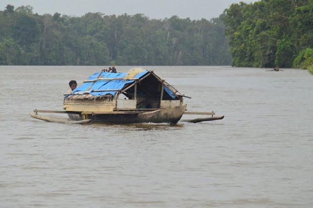 kehidupan di rumah perahu