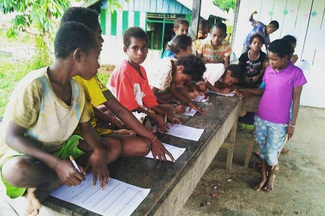 Bukan Sekadar Mengumpulkan Buku untuk Papua