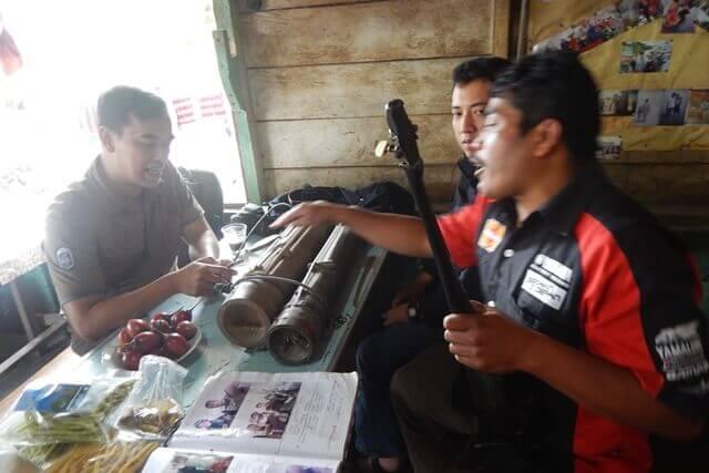 Bernyanyi bersama Biduan Desa Gung Pinto di Kabupaten Karo