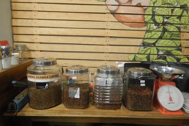 Nongkrong di Rimbun Espresso & Brew Bar Padang