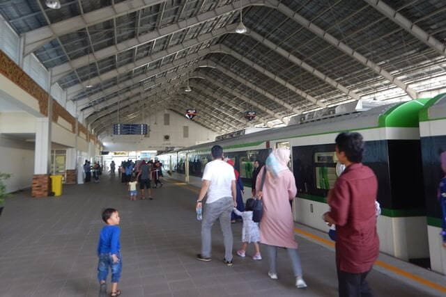 kereta api bandara padang