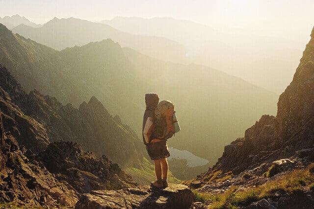 Para Pendaki Gunung! Inilah 5 Hal yang Bisa Kamu Lakukan untuk Mengurangi Sampah Plastik