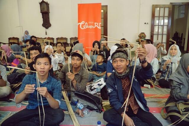 Sekolah TelusuRI Semarang #5, Menelusuri Kota Lama dan Membuat Wayang Suket bareng Dutakola
