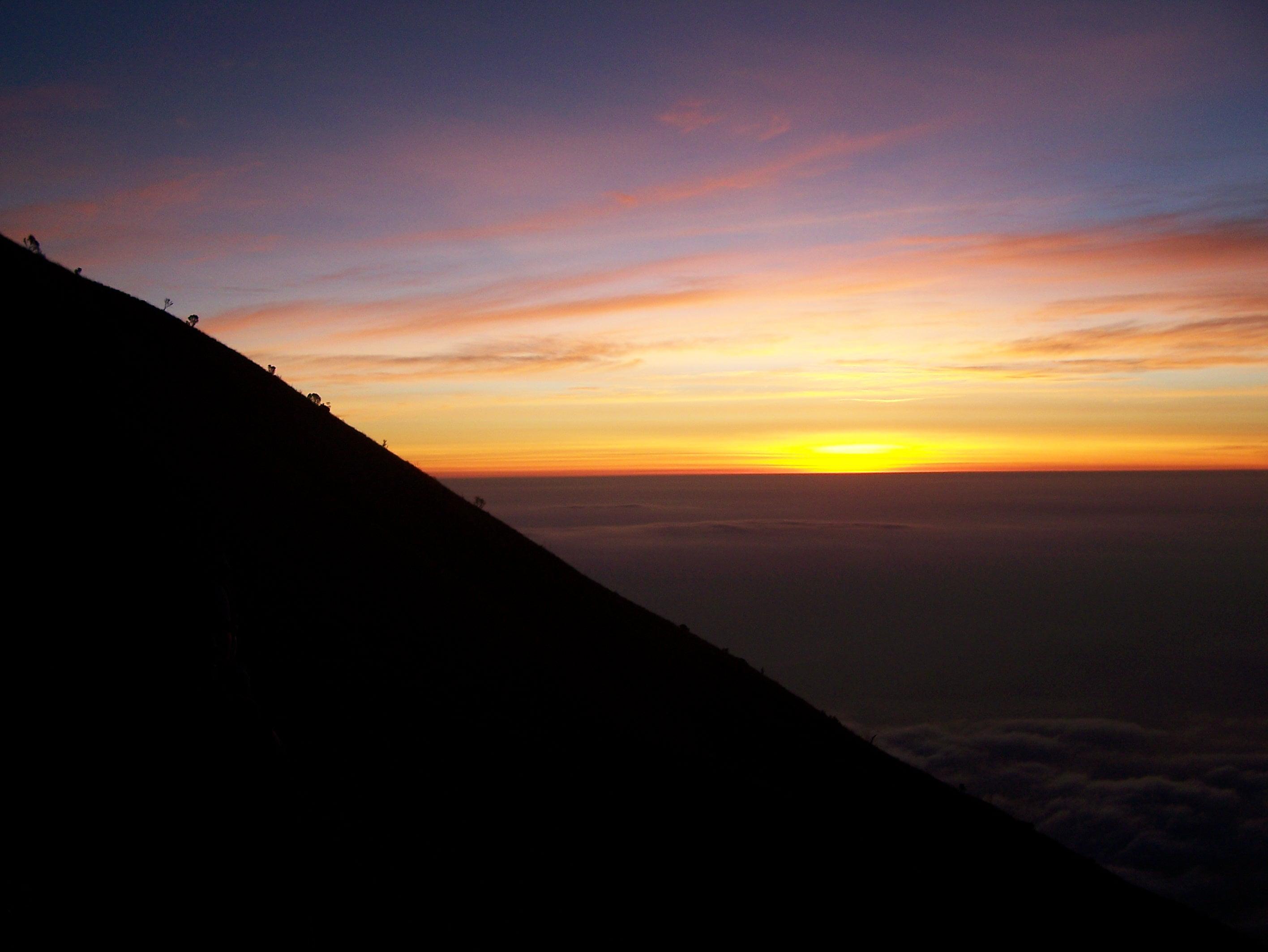"""Mendaki Gunung Merbabu di Zaman Kejayaan """"Milis"""""""