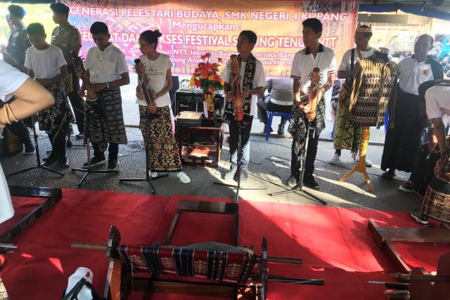 festival sarung dan musik ntt
