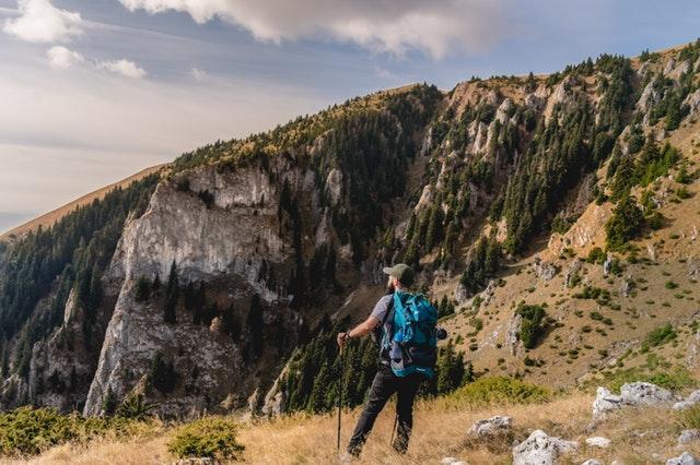 manfaat mendaki gunung