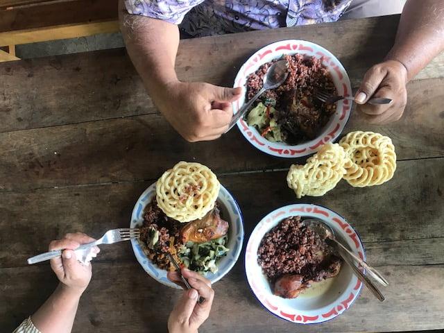 Makan-makan di Geblek Pari Nanggulan