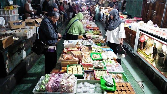 Ngulik Jajanan Tradisional di Pasar Tertua Yogyakarta