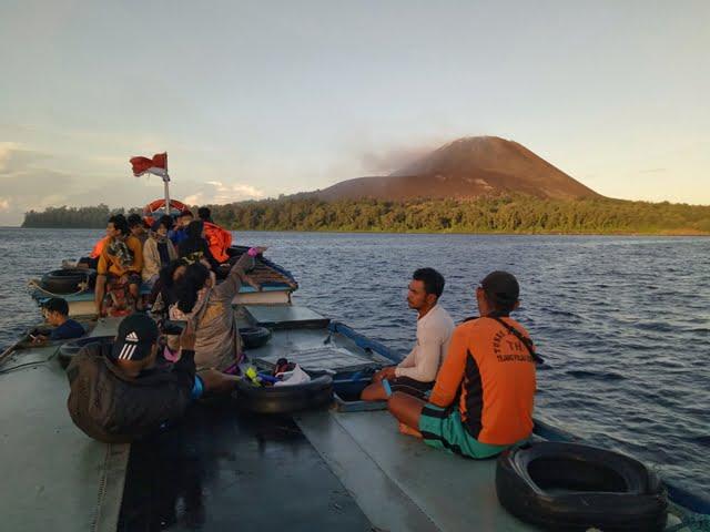Liburan ke Gunung Anak Krakatau