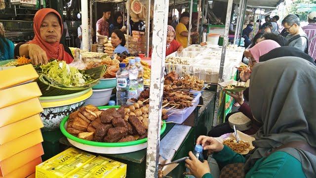 stan kuliner pasar beringharjo