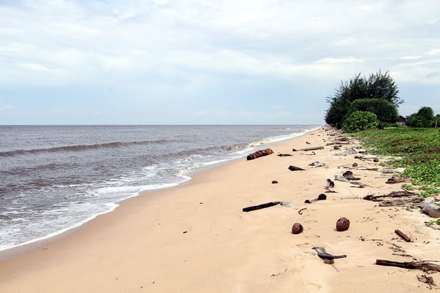 liburan ke pantai ujung pandaran teluk sampit