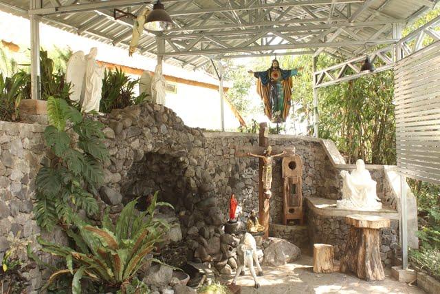 kapel omah petroek