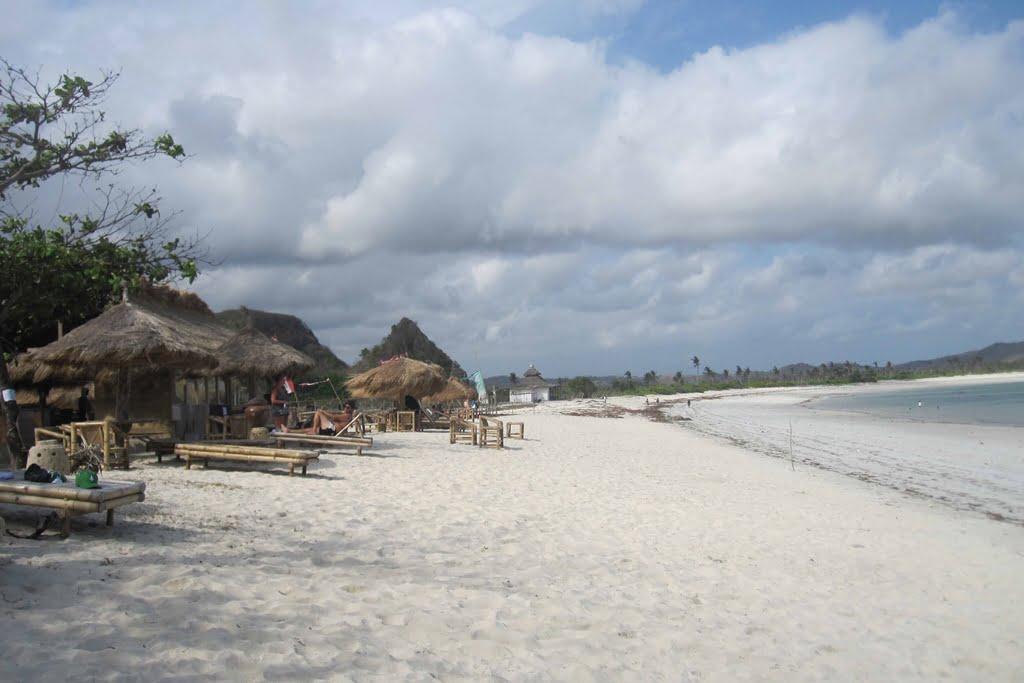 pantai tanjung aan mandalika