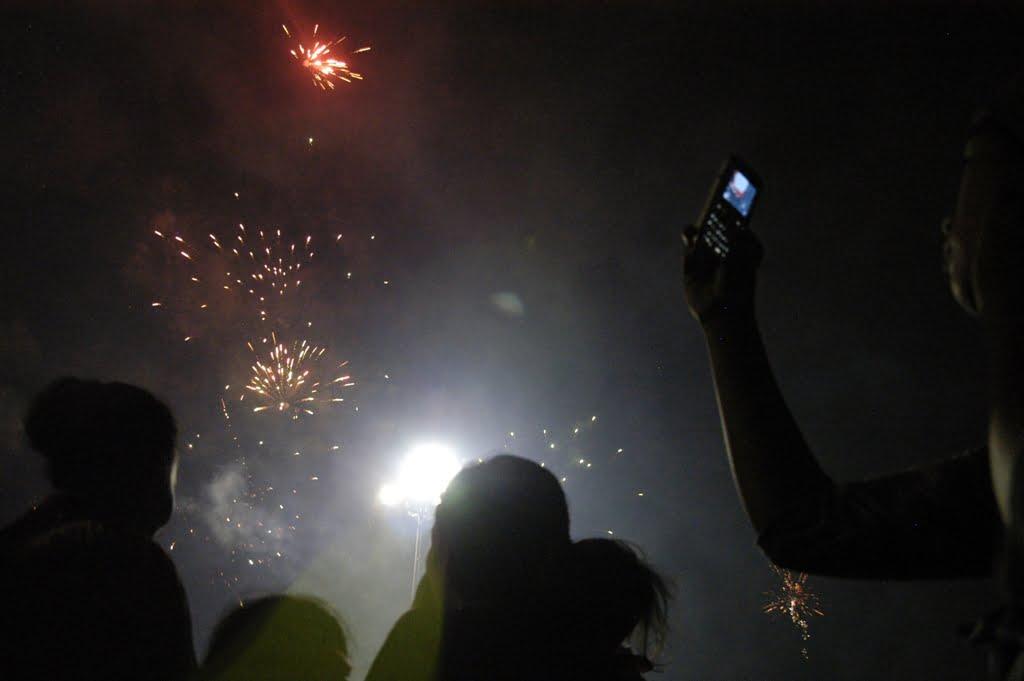 Jurus Jitu biar Tahun Baru di Pantai Jadi Lebih Seru