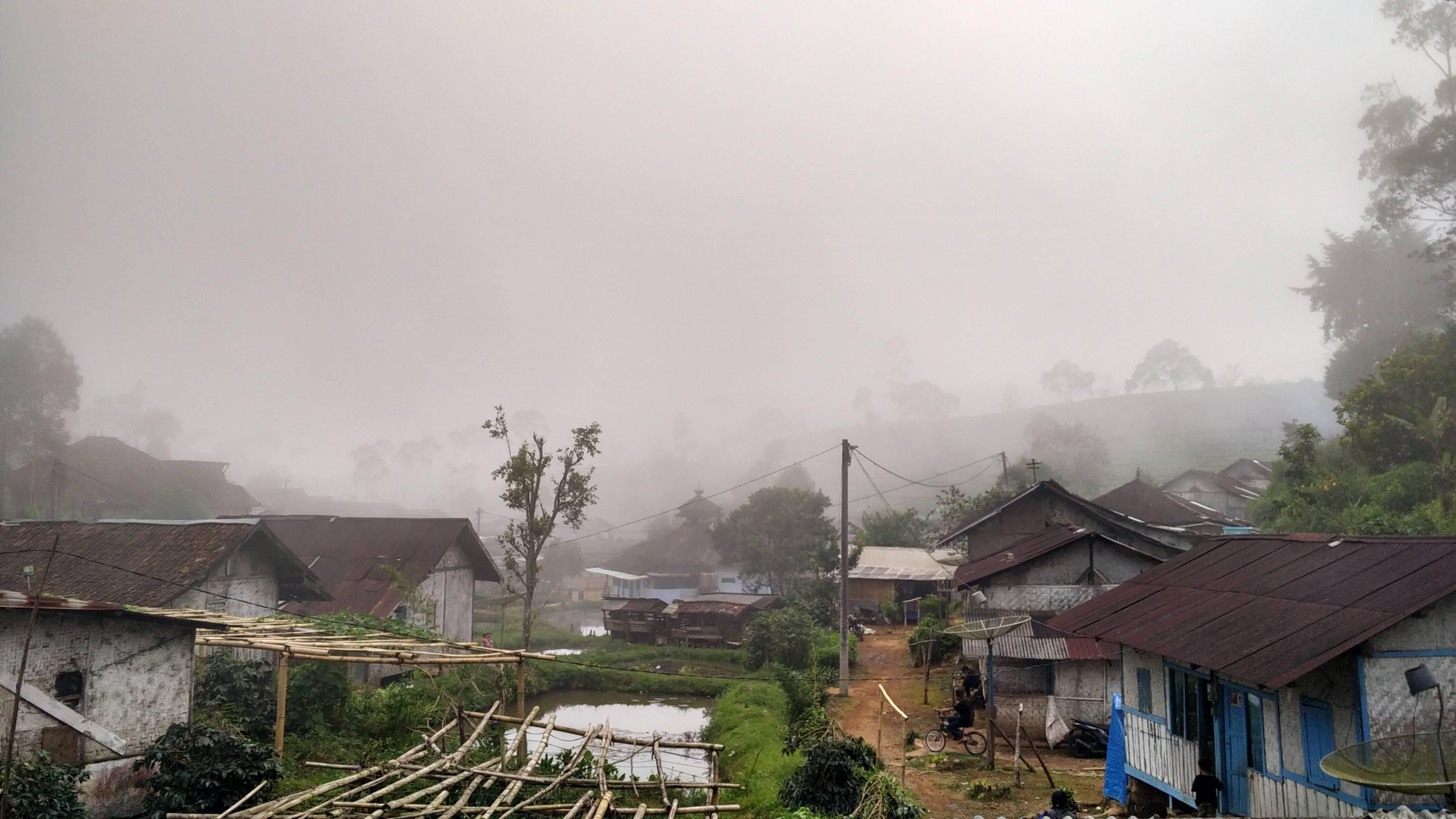 Kabut pagi di Pangalengan