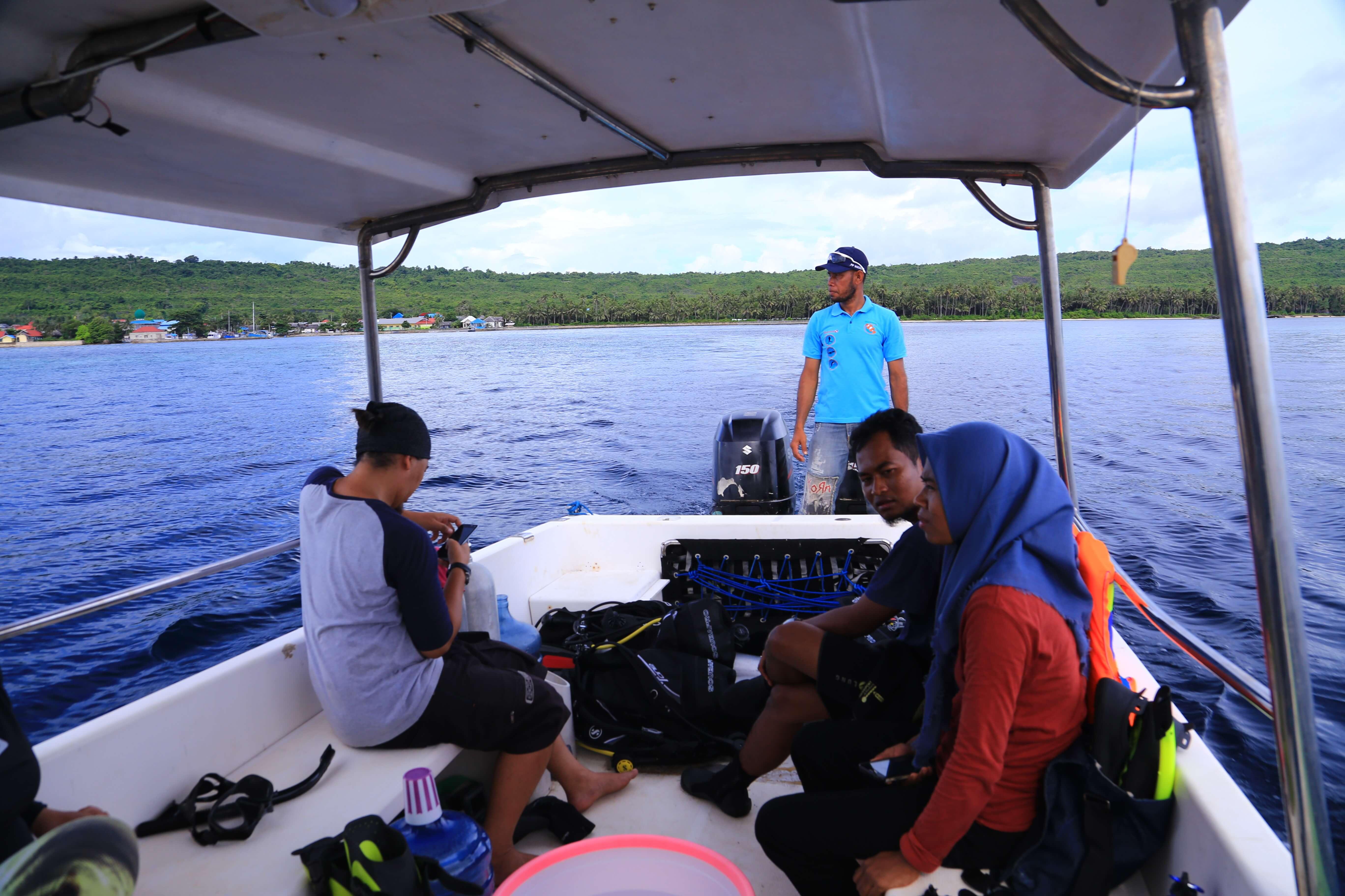 Menuju titik penyelaman pulau Binongko/Widhibek