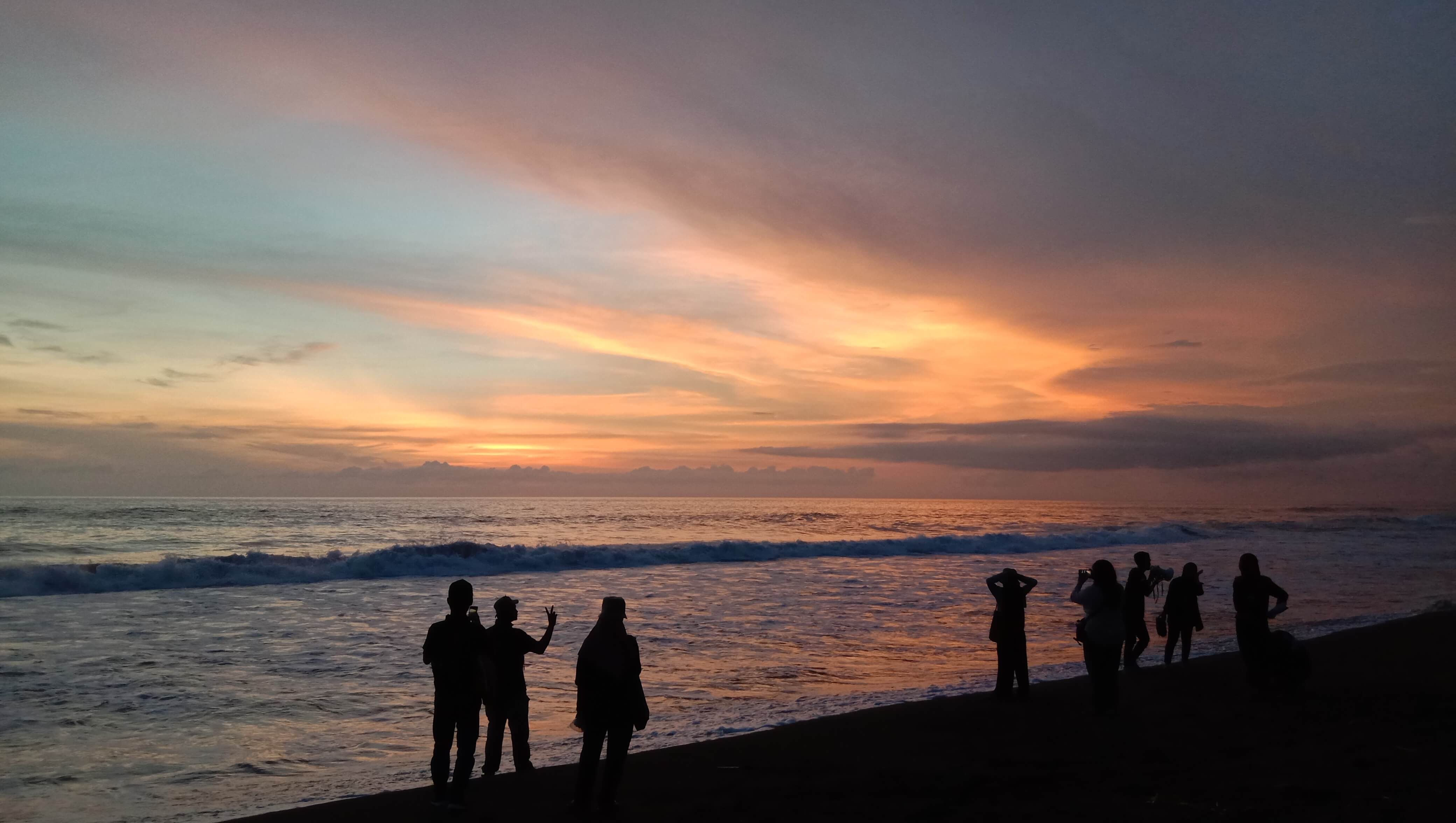 Sore di Pantai Trisik