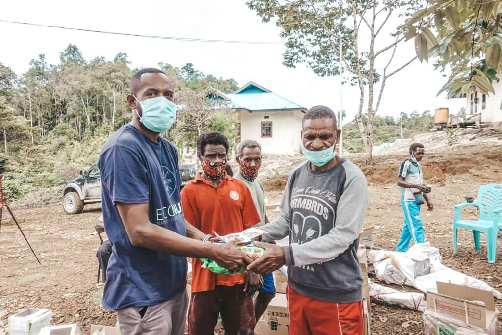 Bibit-bibit Tanaman untuk Kampung Rufases dan Seya
