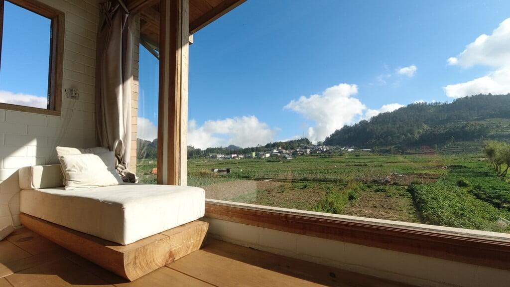 Mendengarkan Dongeng Solo Camping di Aman Griyo Farmhouse