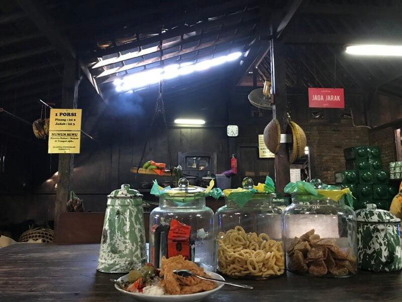 Warung Kopi Klotok sebagai Penjaga Keberadaan Kuliner Khas Nusantara