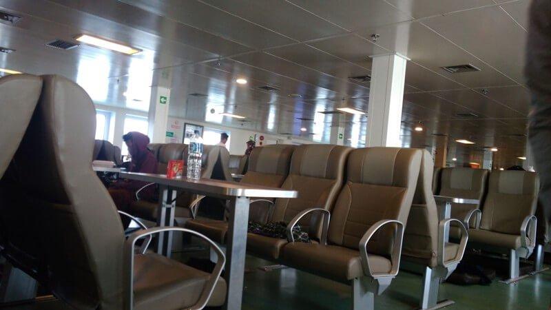 Kursi di Dalam Kapal Legundi