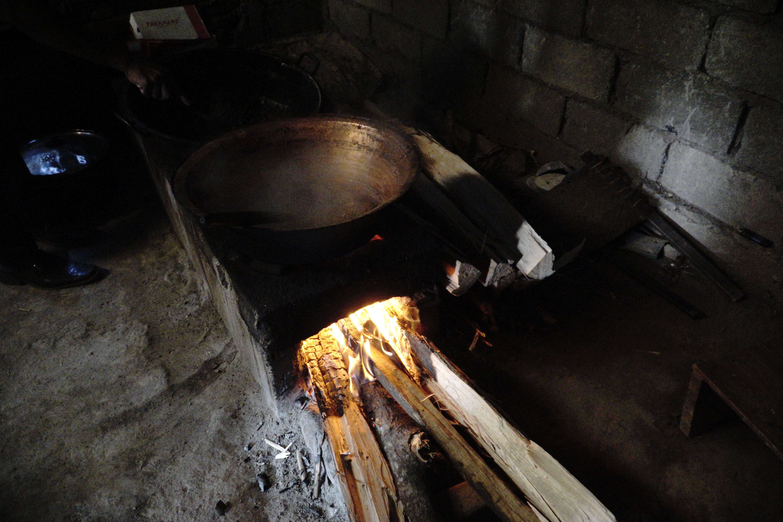 Melihat Proses Pembuatan Gula Merah Tradisional