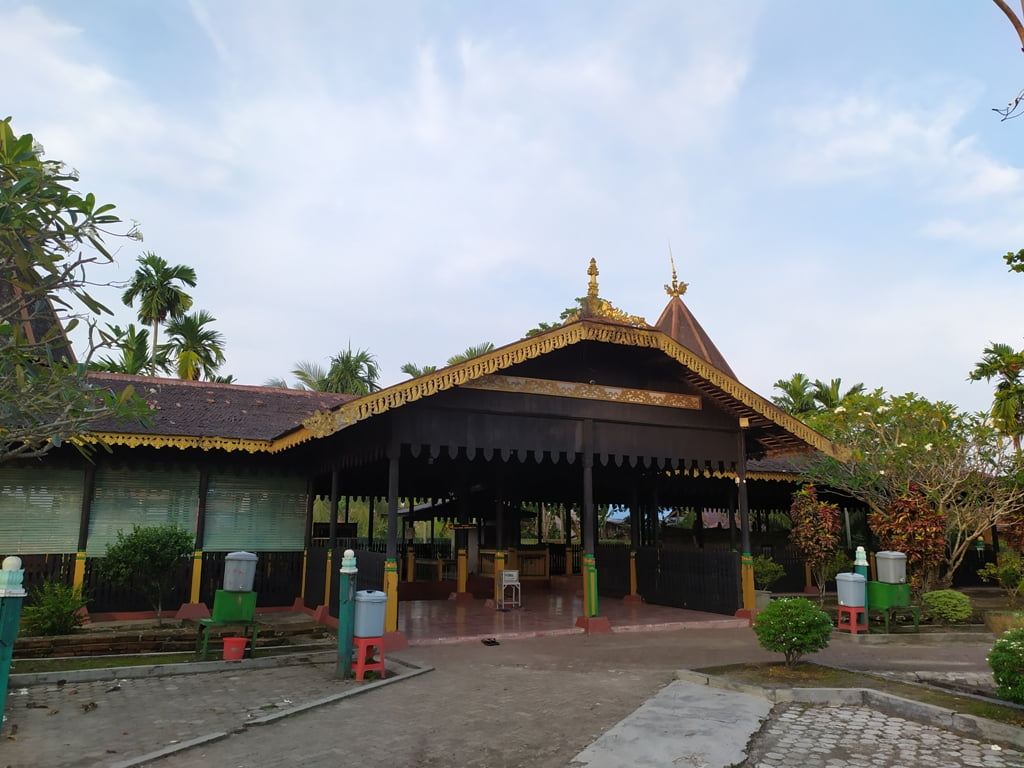 Kubah Makam Sultan Suriansyah yang berasitektur khas Banjar