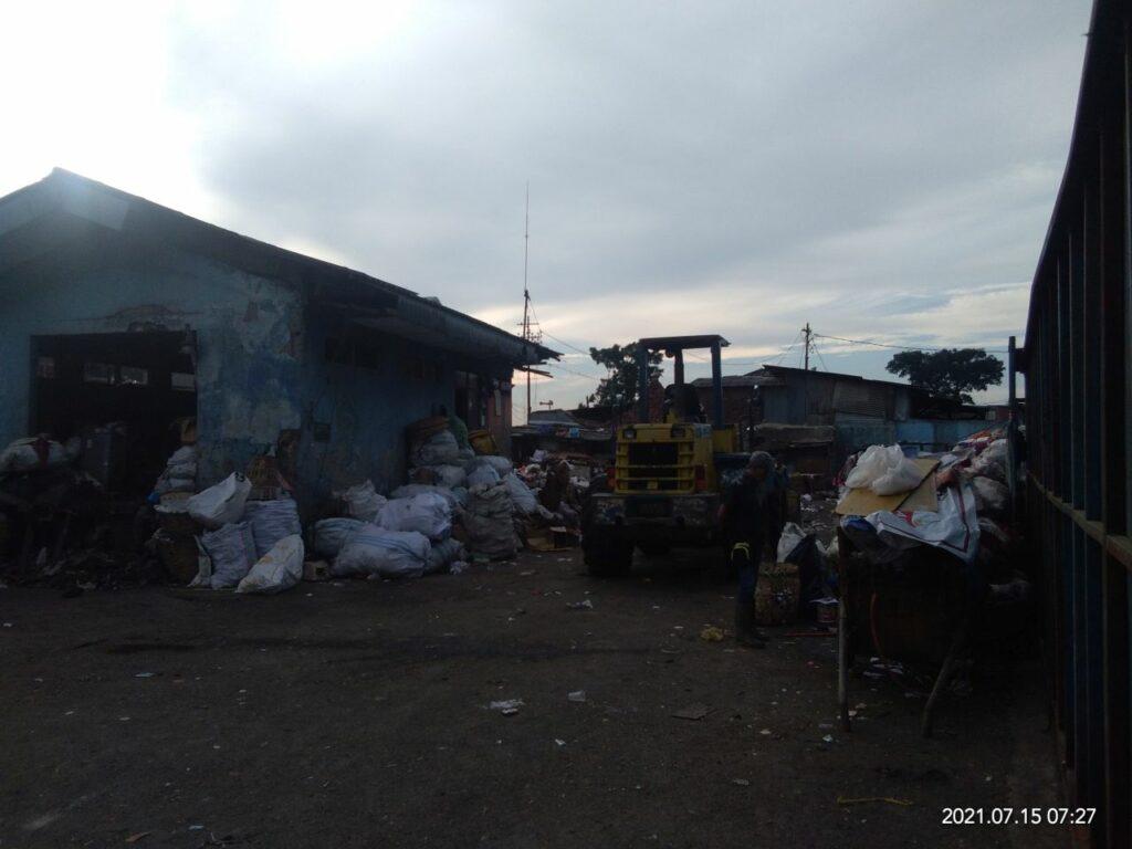TPAS Ciroyom menampung sampah