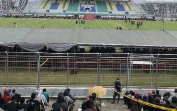 Vaksinasi COVID-19 Massal di Stadion Gelora 10 November