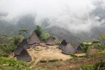 Wisata Budaya ke Beragam Desa Adat Indonesia