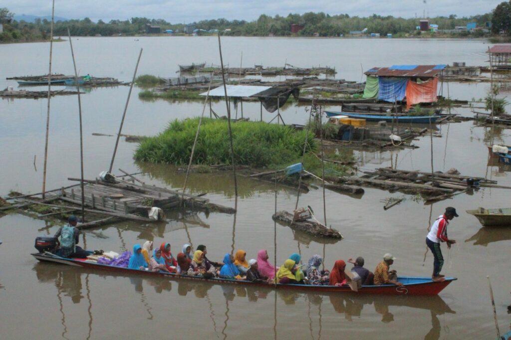 Perahu - transportasi Desa