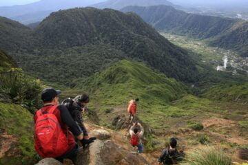 Memilih dan Memilah Kawan Pendakian